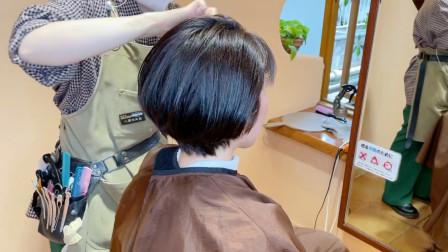 """长相一般的女性,不长不短头发尝试""""挂耳短发"""",感觉变化好大"""