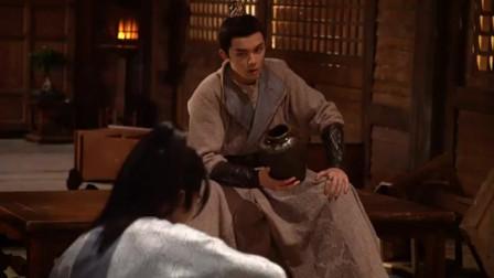 【长歌行】花絮:吴磊想用吸管喝酒#吴磊 #长歌行 #迪丽热巴