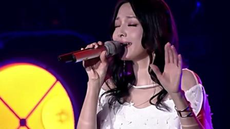 张韶涵砸场子,舞台上炸裂演唱《天堂》,腾格尔都比不了这唱功