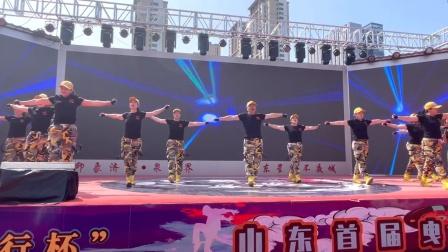 曳步舞大赛获奖作品,音乐好听,有力度有队形变换,很给力!