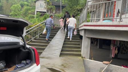 湖南农村,这一家人的午餐是这样的,看完你想吃吗