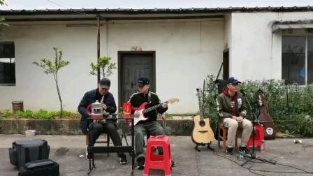[欣赏]民间休闲乐队的演奏