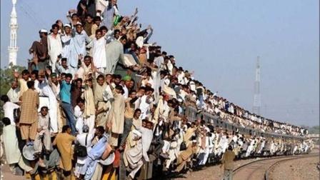 印度人口将会突破14亿,为啥不控制人口?目的只有一个