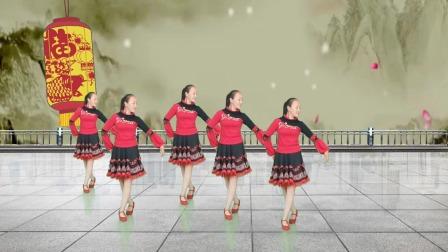 DJ时尚广场舞《梨花飞情人泪》,美女舞姿优美迷人,撩人十足