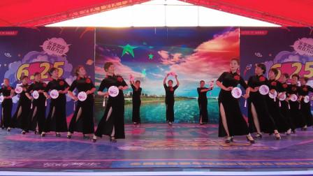 举手投足尽显妩媚:湖南衡阳旗袍秀 形体秀-《新浏阳河》