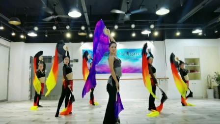 黑珍珠专业瑜伽舞蹈培训学院2105大气长绸双扇团二珍珠老师领携
