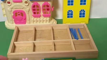 趣味玩具:佩奇把积木的各种颜色分类放进盒子里!