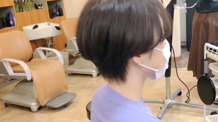 """越来越多女性选择""""露耳短发"""",简约时尚好打理,不烫不染都很美"""