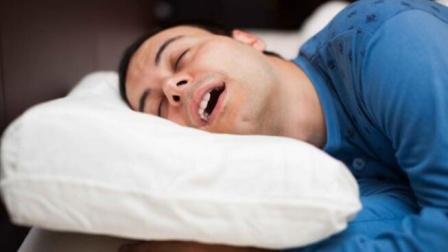 """睡觉时发出4个信号,或是疾病的""""警示灯"""",多留个心!"""