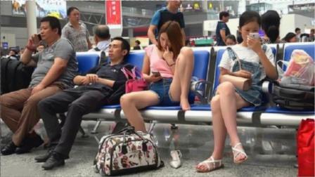 为什么女生坐着腿不能分开?不仅是因为文明,看完你就明白了!