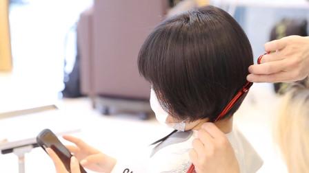 """37岁女性嫌""""波波头""""短发过时,到理发店又剪又染,完全不一样"""