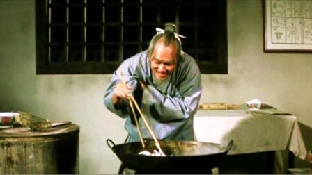 老头将公鸡画纸切成条,放入锅中-下集