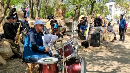 楞严寺公园 这里真是练歌唱歌的好地方