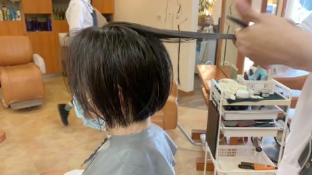 越来越多女性选择这款短发,显小有气质,大多数女性剪完很满意
