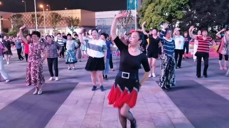 (43)广场舞《醉红妆》万达广场。徐淡吟老师🌹🌴💄💐
