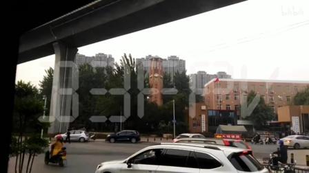 中原领航实验学校里面的钟楼(六面钟) (还报时)