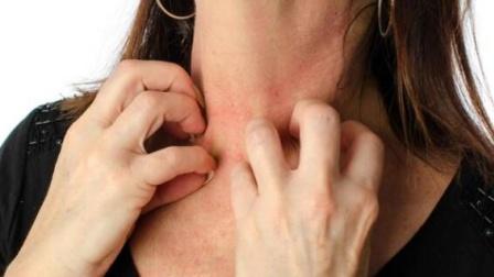 """一旦皮肤出现""""2痒1痛"""",或暗示肝癌已临近,别拖!"""