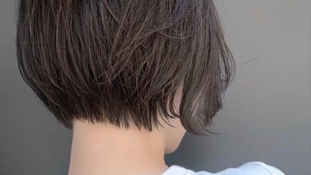 短发这样剪,瘦脸时尚美美哒,喜欢吗