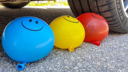 减压实验:车轮碾压手机、气球等松脆柔软的东西 听声音真解压