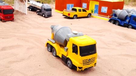 工程车开个啦做一个小水池,装载车,搅拌车运水车,两辆挖掘机
