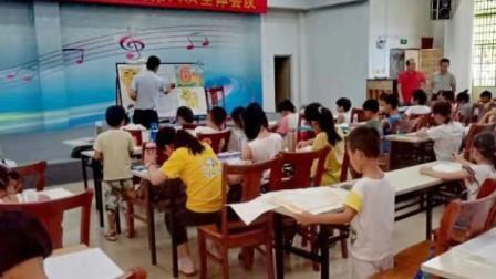 儋州市文化馆公益少儿卡通画班第二节课学习剪影