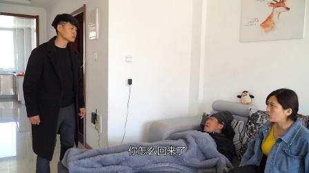 老婆照顾瘫痪公公,邻居告诉老公家里经常有人哭,推开门老公怒了