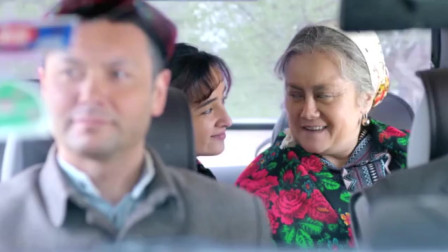 老太太发现男子对媳妇不安好心,立马用维语提醒儿子,太机智了!