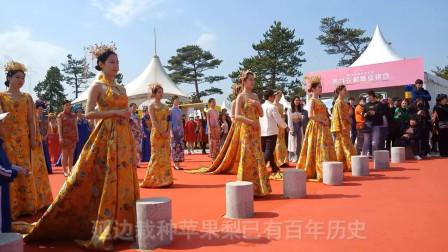 龙井梨花节:朝鲜族服装秀  假面舞 群鼓表演