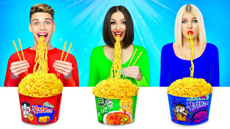 奇葩食物大测试,三人挑战不用手吃饭,场面一度让人爆笑!