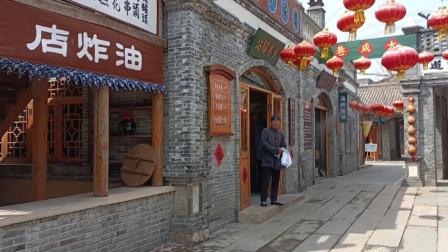 """带你走进辽宁葫芦岛这个""""古镇""""感受穿越时空的关东风情 复古小玩具勾起游客童年记忆"""
