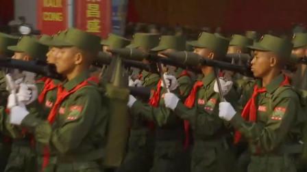 东南亚某国阅兵,说中文走正步喊口号,越看越眼熟