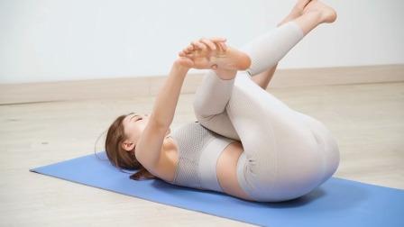 缓解生理期不适的瑜伽,黄老师演示到位