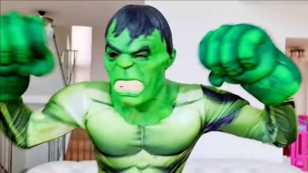 哥哥不小心召唤出了绿巨人,瞬间把自己吓坏了!