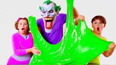 小丑也喜欢玩泥,蜘蛛侠和绿巨人遭殃了!