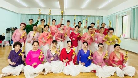 筱敏广场舞(春三月)周一班结课留念2021、5、25