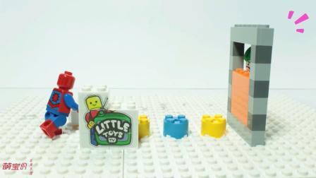 蜘蛛侠从箱子找出了好多的家具