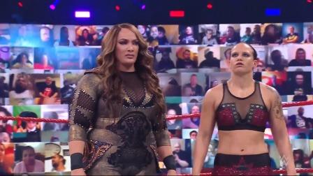 WWE RAW1461期英文回放:女双冠军重战赛雷金纳现身 里德尔单挑伍兹