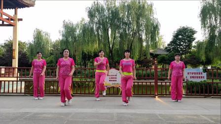 精选广场舞《啪啪啪》时尚流行摆垮, 大家都在跳 !
