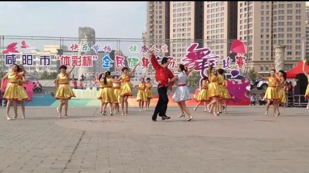 热门动感广场舞《白雪公主》 跳出性感好身材,一起跳起来吧!
