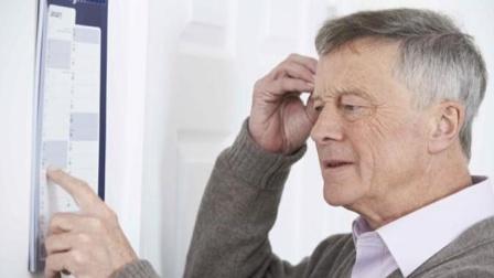 哪些习惯易诱发老年痴呆?这4个习惯很伤脑