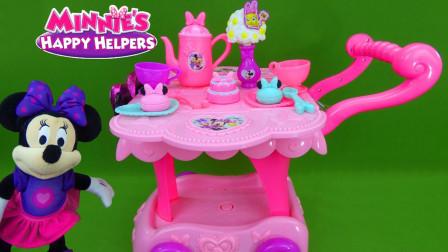 迪士尼米老鼠餐车玩具:来看看这辆餐车里面有什么东西吧