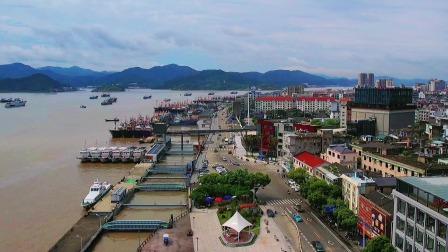 """宁波象山石浦渔港,被誉为""""城在港上,山在城中""""。"""