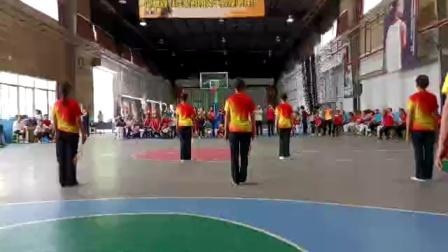 柔力球《和祖国在一起》集体背面示范_创编刘小滨
