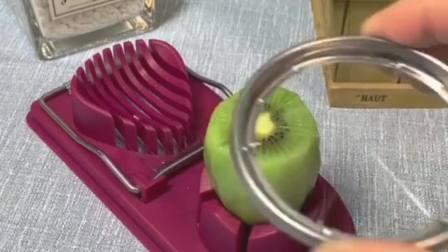 有了这个多功能切蛋器,想切半儿就切半儿,切片也可以