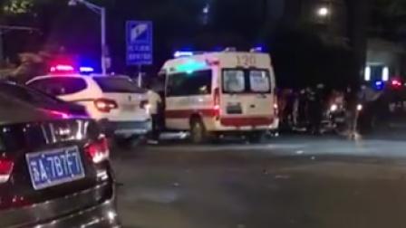 警方通报南京男子驾车撞人后捅伤7人:伤者暂无危险 嫌疑人被抓