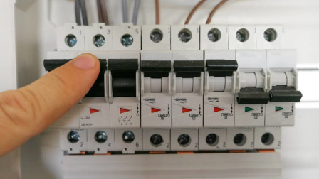 空开C型和D型有什么区别?这么简单的知识,难住了很多老电工
