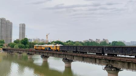 43055通过西善桥,列尾挂大机