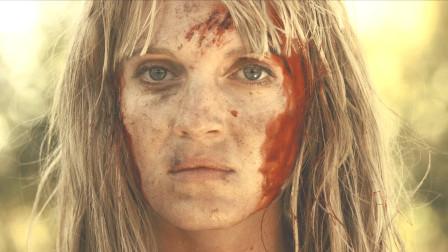 6名毒贩猎杀美女,不成想被美女一一反杀,原来她的老爹是特种兵