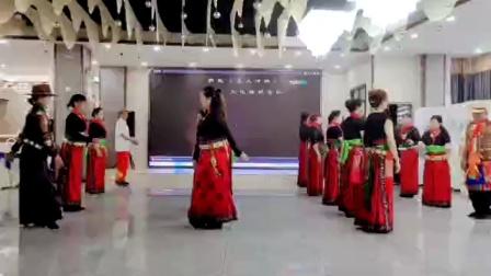 安洲区文化馆锅庄队,《锅庄舞双人对》