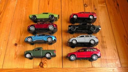 展示帅气的跑车皮卡车玩具